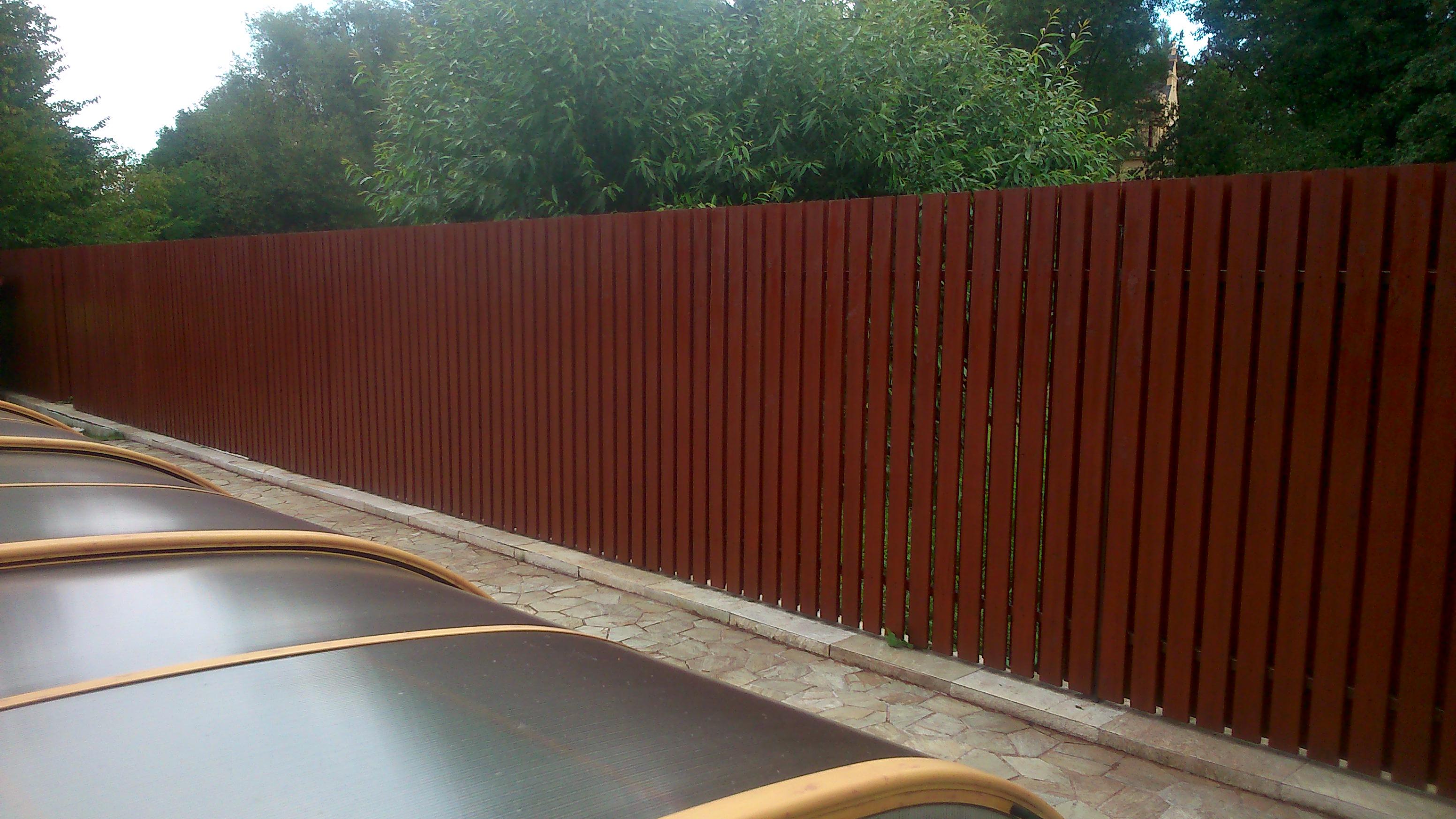 Obnova a nátěr plotu